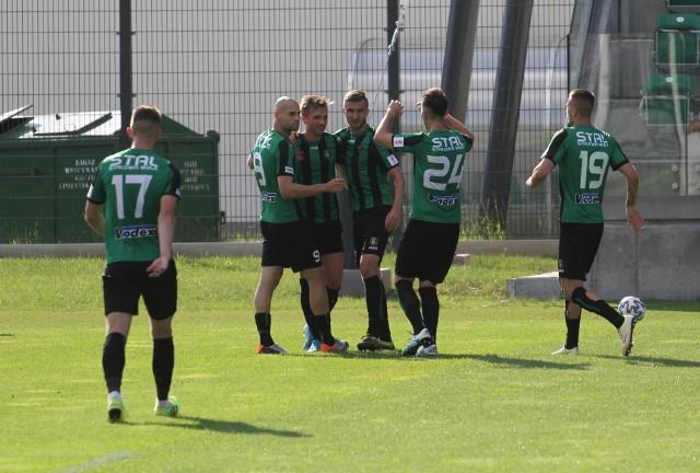 Piłkarze Stali Stalowa Wola w sobotę w bardzo dobrym stylu pokonali Górnika Polkowice