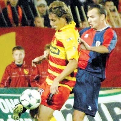 Jagiellonia (z lewej Everton) pokonała tydzień temu 2:0 Piasta Gliwice. Potem rozbiła ŁKS. Teraz chce ograć Polonię.
