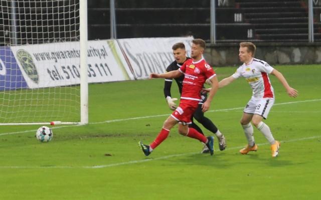 W listopadzie Zagłębie przegrało u siebie z Resovią 0:2. W sobotę wygrało w Rzeszowie 2:1.