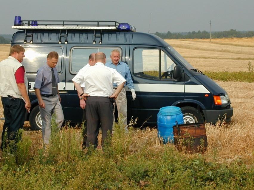 Sierpień 2003 r. Czerniejów. W beczce po kapuście znaleziono...