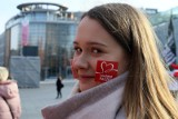 """""""Pomagam, bo to daje mi siłę"""". Szlachetna Paczka czeka na nowych wolontariuszy. Rekrutacja już ruszyła"""