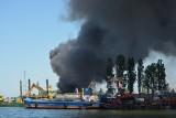 Pożar na złomowisku przy ul. Kujawskiej w Gdańsku 3.06.2020. Zdjęcia i wideo dymu nad miastem od Czytelników