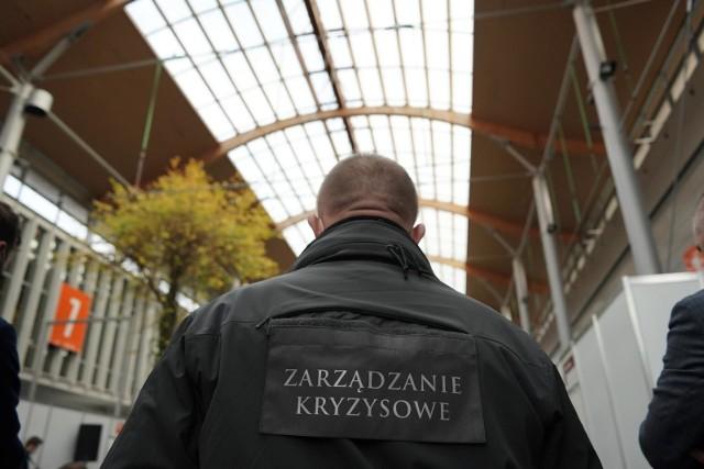 Obiekty Międzynarodowych Targów Poznańskich zostały przeznaczone na szpital covidowy, imprez targowych nie ma. MTP, podobnie jak cała branża, liczy straty z powodu pandemii koronawirusa i odwołanych imprez.