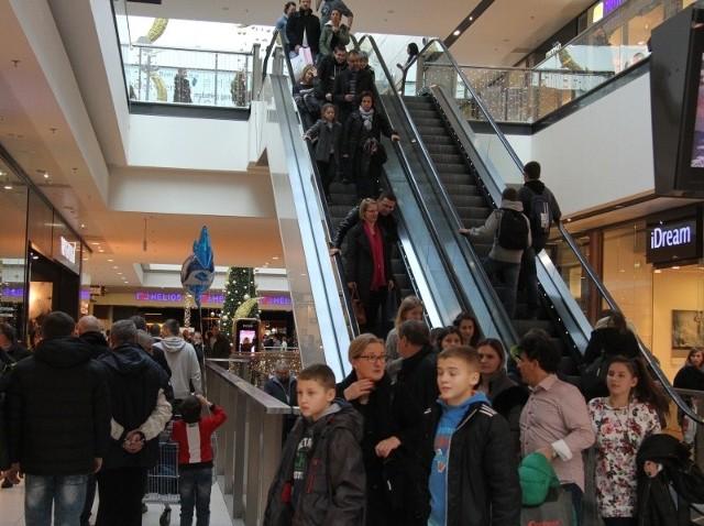 Galeria Echo w Kielcach znów przeżywała prawdziwe oblężenie. W sobotę klienci ruszyli na zakupy polując na towary z  poświątecznych  wyprzedaży.