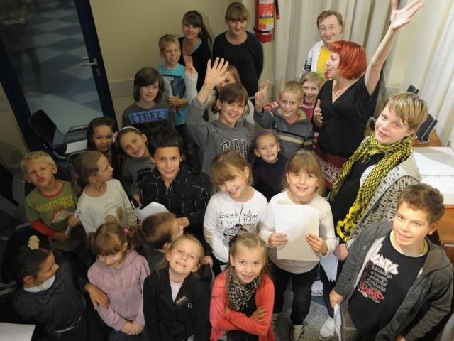 Dzieci bardzo się cieszą, że mogą nagrywać płytę z kolędami.