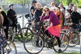 Witold Kopeć samotnie tworzy w Łodzi rowerową masę krytyczną. Chce zwrócić uwagę na problemy rowerzystów w Łodzi
