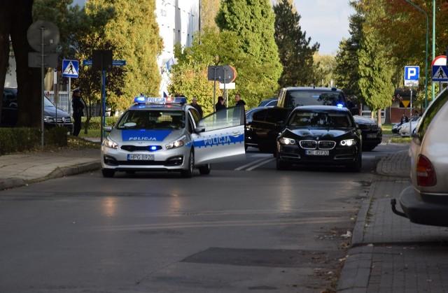 """Według wypowiedzi Błażeja Spychalskiego, rzecznika prezydenta Andrzeja Dudy, dla TVN24, samochód policyjny poruszający się w kolumnie prezydenckiej  potrącił dziecko """"bardzo delikatnie"""""""