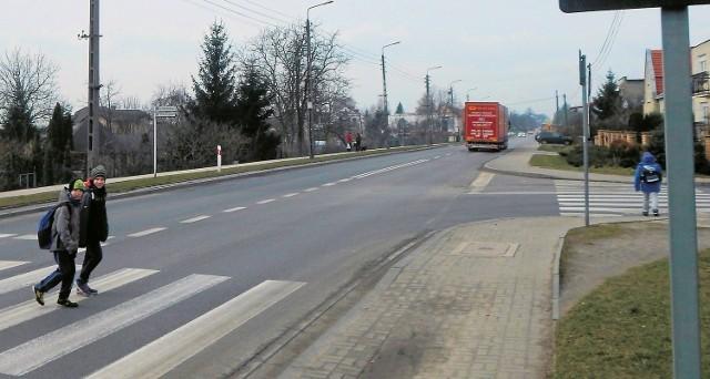 W końcu stanie sygnalizacja świetlna przy ul. Słubickiej w Krośnie Odrzańskim.