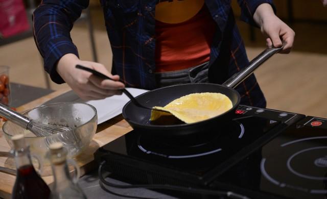 Młodzi kucharze gotowali dla służb medycznych krakowskiego szpitala/zdjęcie ilustracyjne