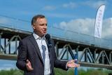Prezydent Andrzej Duda odwiedził budowę mostu na Dunajcu w Ostrowie koło Tarnowa [ZDJĘCIA]