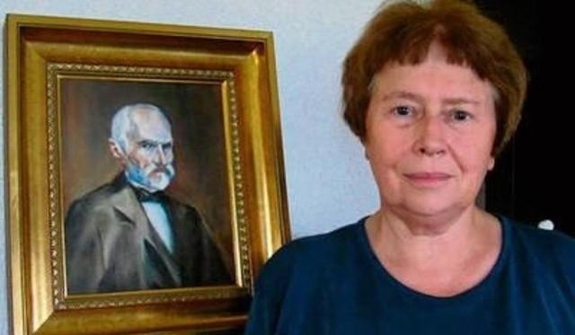 Prof. Maria Dzielska i jej ulubiony portret Cezarego Emila Hallera, którego jest potomkinią, a który pochodził ze słynnej rodziny polskich patriotów i wojskowych