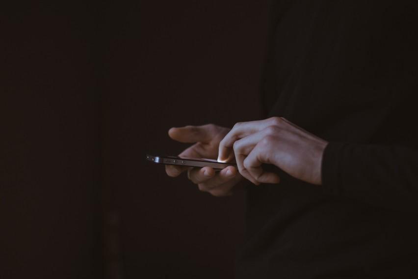 Czarna kropka w wiadomości może zawiesić Twój telefon....