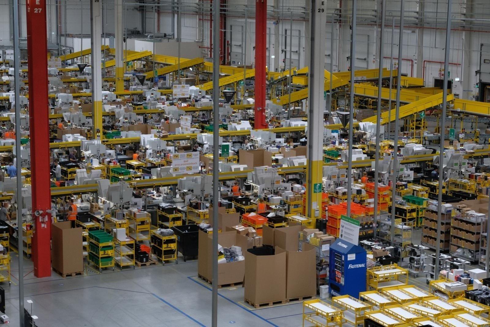 Amazon wchodzi do Polski. Przesyłki dostarczy Poczta Polska? Amazon zagrozi naszym sklepom internetowym? [19. 2. 2020 r.]   Dziennik Zachodni