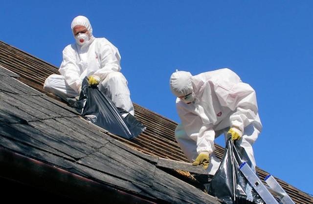 Azbest może być szkodliwy dla zdrowia.