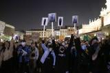 """Protest w Krakowie, tym razem branży gastronomicznej. """"Zabierane jest nam miejsce pracy"""" [ZDJĘCIA]"""