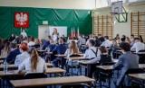 Ukraińska matura łatwiejsza? Kontrowersje ws. rekrutacji na studia. Uczniowie ze Wschodu na szczytach list rankingowych