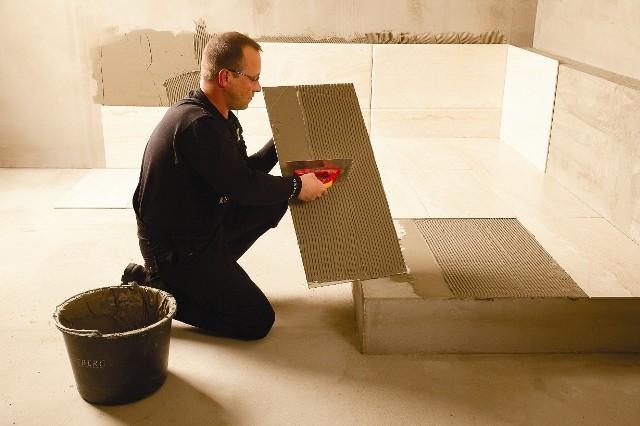 Układanie płytekUkładanie płytek: jak wybrać ekipę remontową i dopilnować jej prac