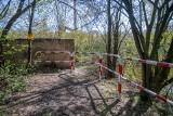 """Skarpa, z której Michał Rosiak miał spaść do Warty, została zabezpieczona. """"Postawiono 45 metrów barierek"""" – mówi szef nadzoru budowlanego"""