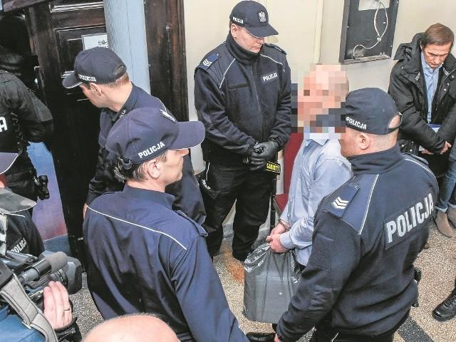 """Maciej B., pseudonim """"Maciula"""", jest jak dotąd jedynym oskarżonym w procesie grupy Tomasza B., który czeka na wyrok za kratami. Pozostali członkowie gangu odpowiadają z wolnej stopy."""