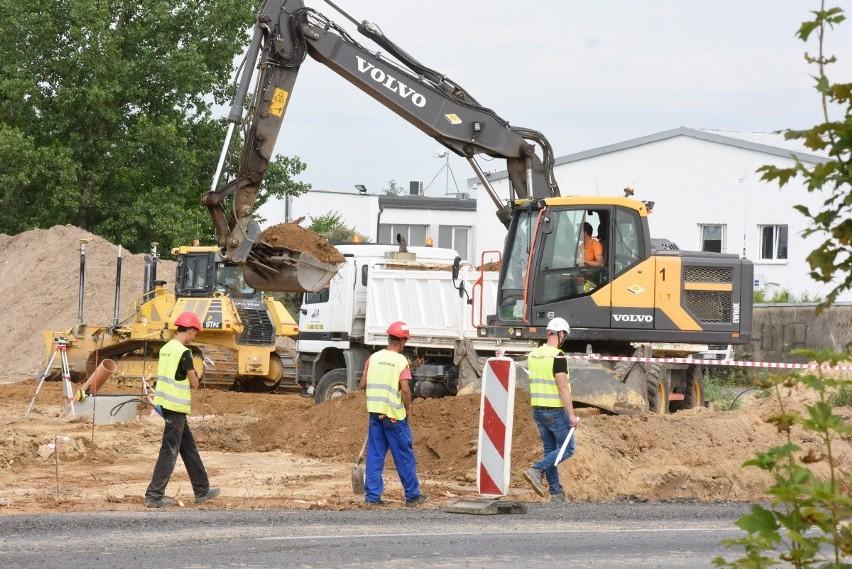 12 lipca rozpoczęły się roboty drogowe związane z budową...