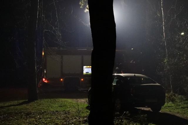 Ciało nagiej kobiety nad rzeką Luciążą we Włodzimierzowie znalazł w piątek, 27 marca, po godz. 17 przypadkowy spacerowicz.