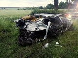 Śmiertelny wypadek pod Cybinką. Kierowca bmw nie żyje, pasażerka w szpitalu