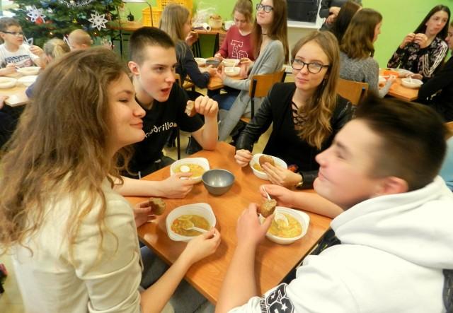 Akcja polegała na przygotowaniu przeogromnej ilości pysznej zupy jarzynowej.