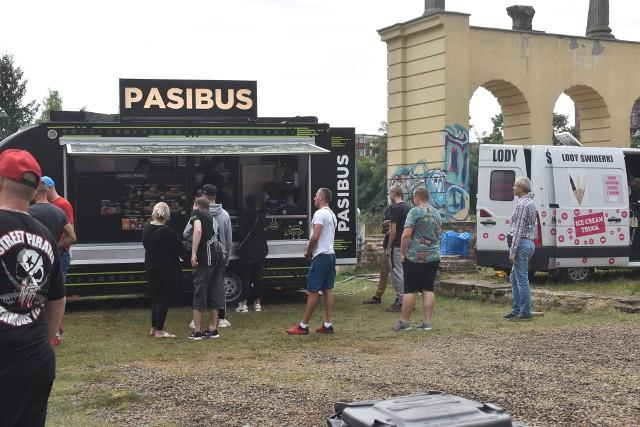 Food Trucki w Gubinie. Przy granicy polsko-niemieckiej odbył się Festiwal Smaków Świata.