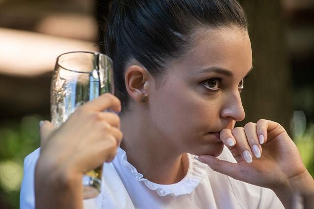 """Maria Dębska w filmie """"Zabawa zabawa"""" gra Magdę - studentkę i popijającą pracownicę korporacji"""