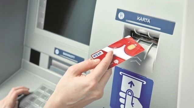 Bezpieczne bankowanie. Gotówka pod rękąBankomaty nie są już tylko automatami do wypłaty gotówki. Dzięki nim załatwimy wiele spraw bez wyprawy do banku