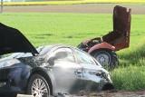 Wypadek pod Wrocławiem. Ciągnik rolniczy rozpadł się na dwie części