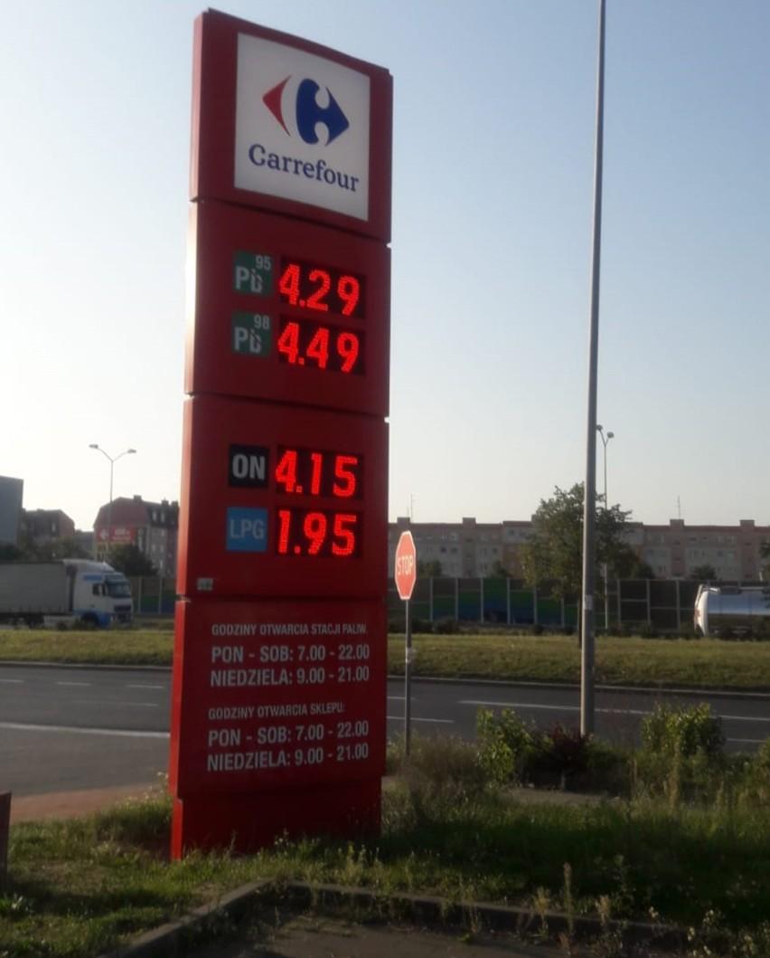 W Szczecinie, na stacji Carrefour, benzyna kosztowała dziś 4,29 zł za litr.