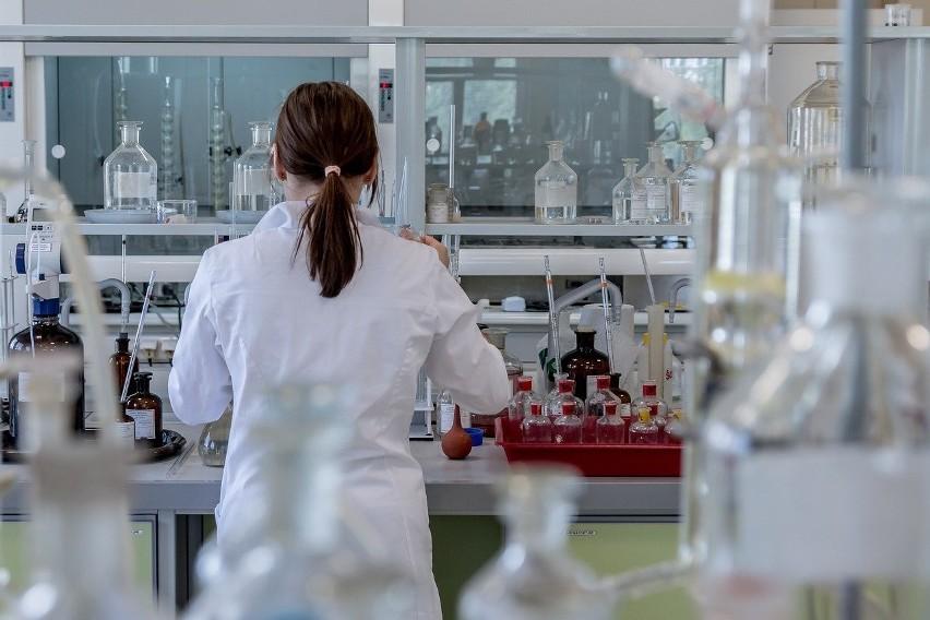 Matura chemia rozszerzenie 2021. Arkusz pytań i odpowiedzi w...