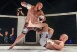Turniej Miast MMA: Kibice Lecha Poznań walczyli w Arenie [ZDJĘCIA]