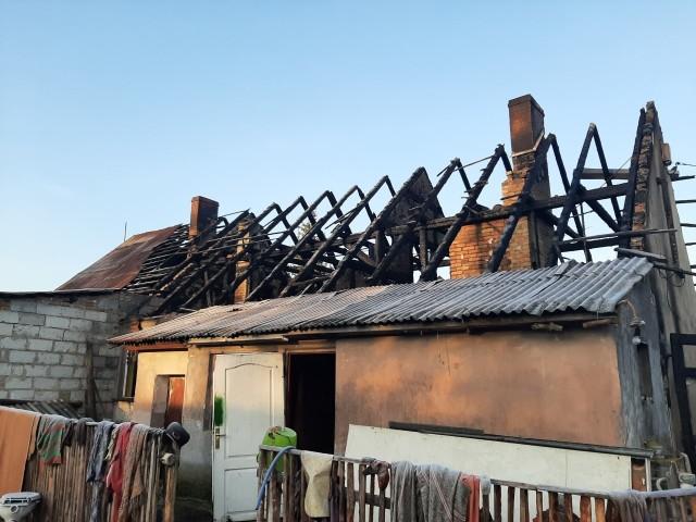 Pożar wybuchł około godz. 20 we wsi Czarnów (gmina Górzyca).