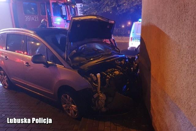 41-latek nie zatrzymał się do kontroli drogowej i nie reagował na sygnały policjantów