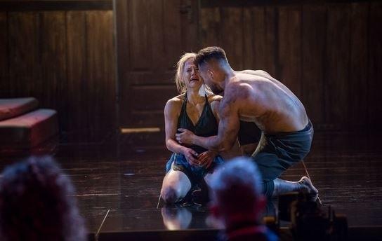 Kasia Dziurska odpadła z programu Dance dance dance z odcinka wyemitowanego 13 kwietnia, w sobotę.ZDJĘCIA Z ODWAŻNEJ SESJI - KLIKNIJ DALEJ