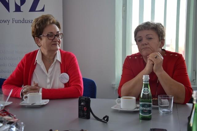 Donata Wojnicz z organizacji Kwiat Kobiecości oraz Anna Czyż z zielonogórskich Amazonek zachęcają kobiety do regularnych badań