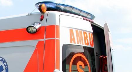 Ranny 76-latek został przewieziony do szpitala w Nowej Soli.
