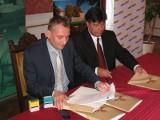 Wczoraj w Żaganiu podpisano umowę na wybudowanie kompleksu sportowego z krytą pływalnią