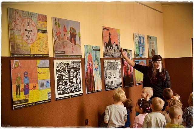"""Warsztaty prowadzone były przez Muzeum i Ośrodek Kultury Białoruskiej w Hajnówce w ramach projektu """"PRZYGRANICZNY ALIANS ETNICZNY"""""""