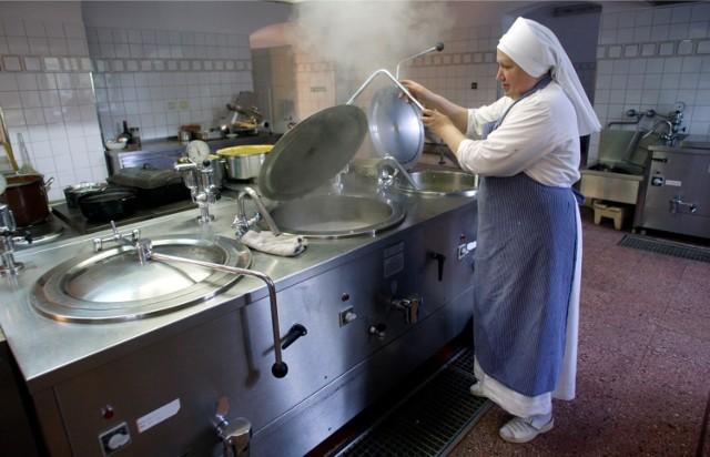 Siostry boromeuszki z Trzebnicy pomagają jak św. Jadwiga