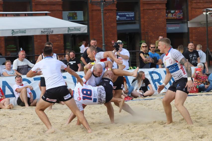 Plażowa odmiana rugby zyskuje coraz większą popularność