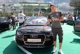 Robert Lewandowski odebrał nowe auto. Do 100 km/h przyspiesza w 3,9 s