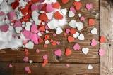 Prezenty na Walentynki dla dziewczyny. TOP 10 romantycznych prezentów na walentynki dla niej. Nie masz pomysłu? Tu go znajdziesz!