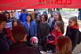 Ponad tysiąc uczniów ze szkół powiatu nowosolskiego przyszło w Parku Fizyki w Nowej Soli na Festiwal Nauki [ZDJĘCIA]