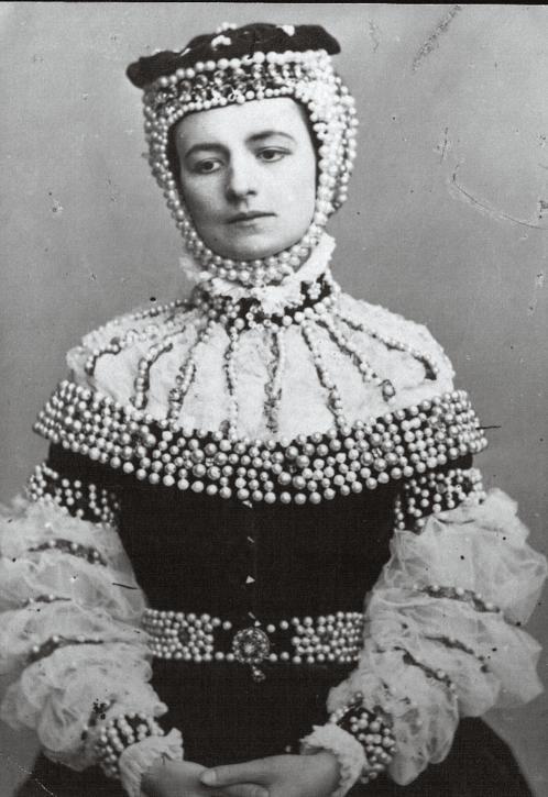 """Helena Modrzejewska w roli tytułowej w sztuce """"Barbara Radziwiłłówna"""", 1865"""