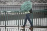 Uwaga kierowcy i piesi, będzie bardzo ślisko! Meteorolodzy zapowiadają opady marznącego deszczu