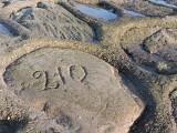 Walentynki 2020 Świnoujście. Romantycy, którzy podpisywali się na falochronie w Świnoujściu. Znajdź swój podpis!