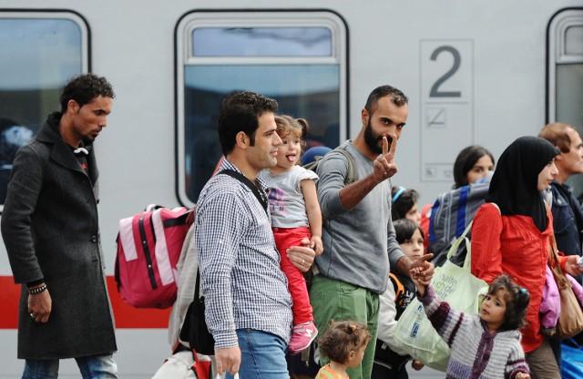 Uchodźcy zalewają Europę. Trafią także do woj. śląskiego